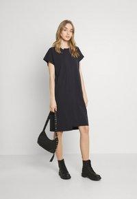 Noisy May - NMDAPHNI  - Jersey dress - obsidian - 1