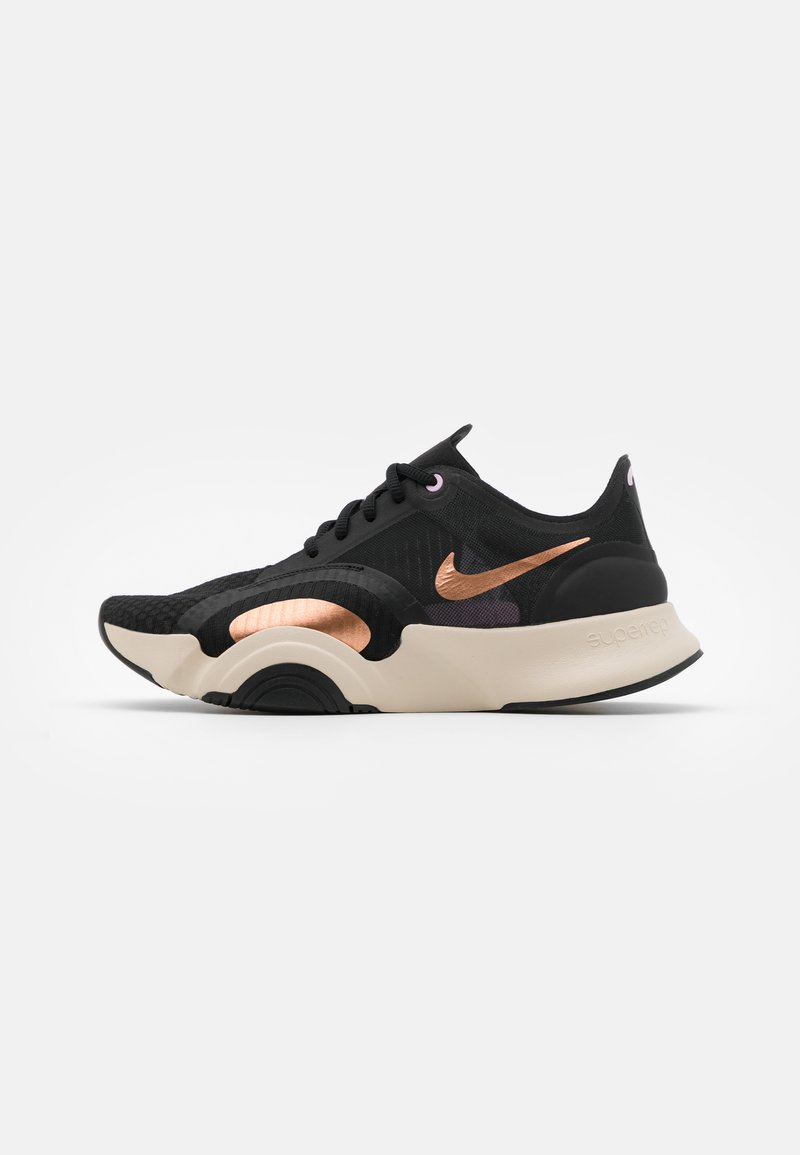 Nike Performance - SUPERREP GO - Sports shoes - white/black/metallic copper