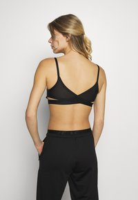 Nike Performance - INDY BRA - Sport BH - black - 2