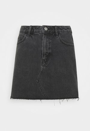 Falda acampanada - washed black