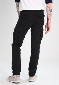 INDICODE JEANS - WILLIAM - Cargobroek - black - 2
