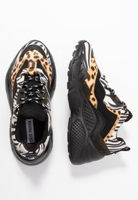 Steve Madden - ANTONIA - Sneakers - olive/multicolor - 3