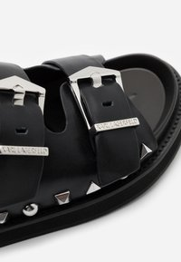 KARL LAGERFELD - MEDINA BUCKLE TWO STRAP - Pantofle - black - 4
