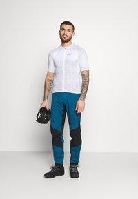 Gore Wear - GORE® WEAR MAGIX MENS - Print T-shirt - white - 1