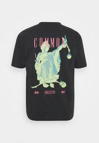Common Kollectiv - ROSE TEE UNISEX  - Print T-shirt - washed black - 8