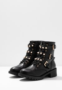 Bianco Wide Fit - WIDE FIT BIAPEARL BIKER BOOT - Cowboy- / bikerstøvlette - black - 4