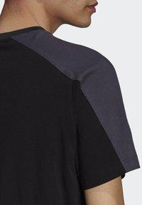 adidas Originals - ARCHIVE - T-shirt con stampa - black - 5
