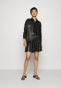 Anna Field - Fake Leather mini A-line skirt - Mini skirt - black - 1