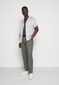 JOOP! Jeans - CLARK - Camiseta básica - grey - 1
