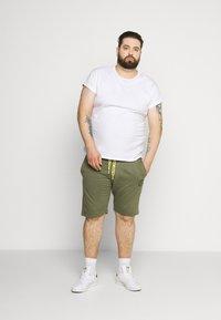 Blend - Pantalones deportivos - kalamata green - 1