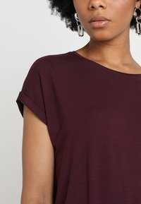 Vero Moda - VMAVA PLAIN - T-shirt basic - winetasting - 4