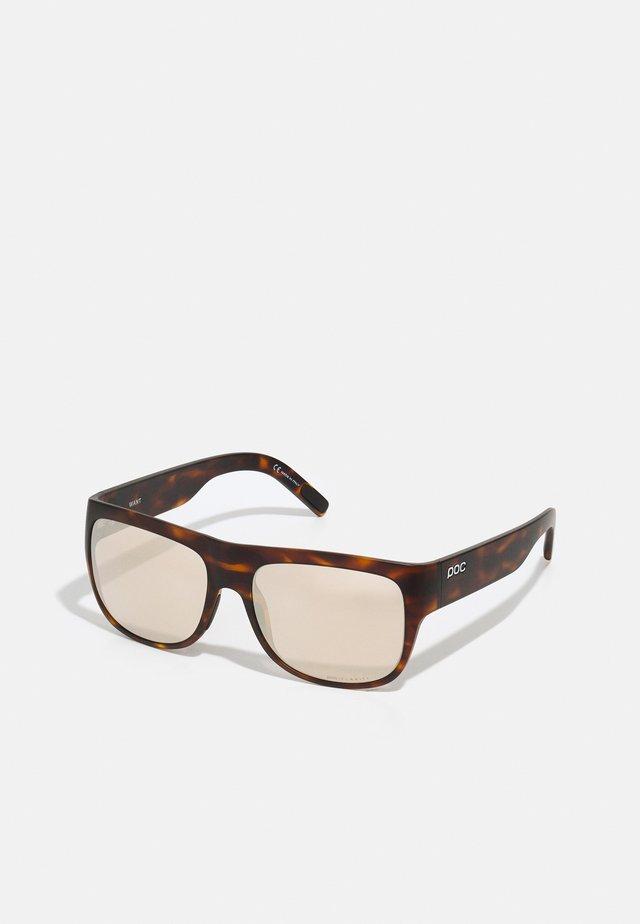 WANT UNISEX - Okulary sportowe - tortoise brown