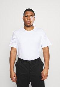 Pier One - 5 PACK - T-shirt basic - white - 1