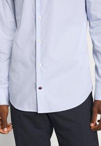 Tommy Hilfiger Tailored - STRIPE CLASSIC SLIM - Formal shirt - blue - 4