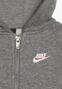 Nike Sportswear - PANT BABY SET - Tracksuit - carbon heather - 5