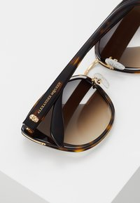 Alexander McQueen - Sunglasses - brown - 4