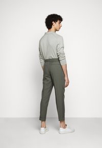 Filippa K - TERRY CROPPED SLACKS - Trousers - green grey - 2
