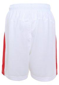 Puma - LIGA - Korte sportsbukser - white/red - 1