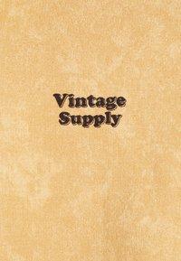 Vintage Supply - CORE OVERDYE HOODIE - Sweatshirt - yellow - 2