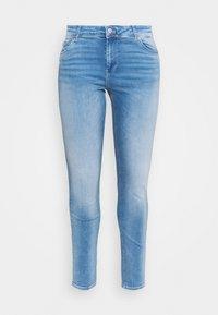 Vero Moda Curve - VMLUX - Slim fit jeans - light blue denim - 0