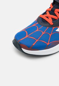 adidas Performance - FORTARUN SPIDERMAN UNISEX - Neutral running shoes - blue/legend ink/bold orange - 5