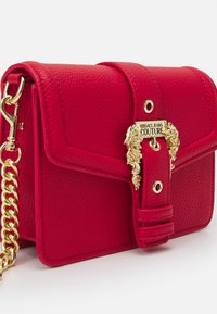 Versace Jeans Couture - COUTURE DISCOBAG - Across body bag - rosso - 5