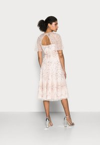 Adrianna Papell - BEADED FLUTTER DRESS - Cocktail dress / Party dress - pale pink - 2