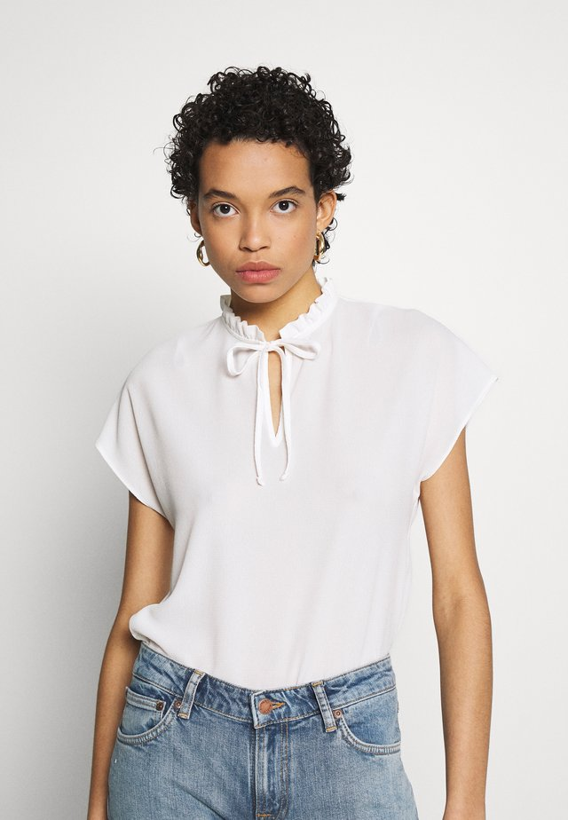 SHORT SLEEVE PIE CRUST TEE - Blouse - ivory