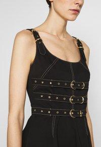 Versace Jeans Couture - LADY DRESS - Denimové šaty - nero - 6