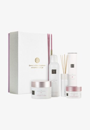 THE RITUAL OF SAKURA GIFT SET LARGE, RENEWING COLLECTION - Bath and body set - -