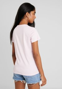Levi's® - THE PERFECT TEE - Print T-shirt - flock pink lady - 2