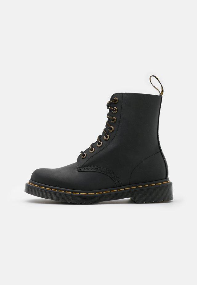 1460 PASCAL 8 EYE BOOT UNISEX - Veterboots - black