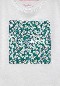 Pepe Jeans - URSULA - Print T-shirt - optic white - 2