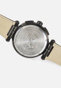 Versace Watches - GRECA - Chronograph watch - black - 3