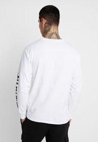 Napapijri The Tribe - SOLT  - Langærmede T-shirts - bright white - 2