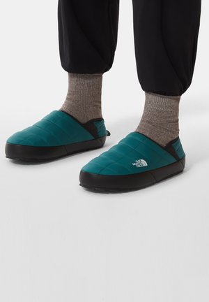 Hiking shoes - shaded spruce/tnf black