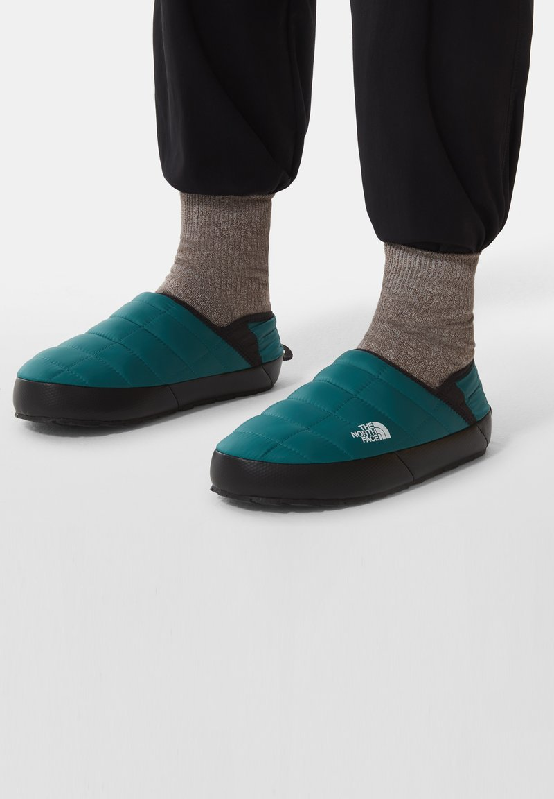 The North Face - Hiking shoes - shaded spruce/tnf black