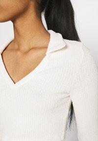 Topshop - FLUFFY COLLAR - Sweter - cream - 5
