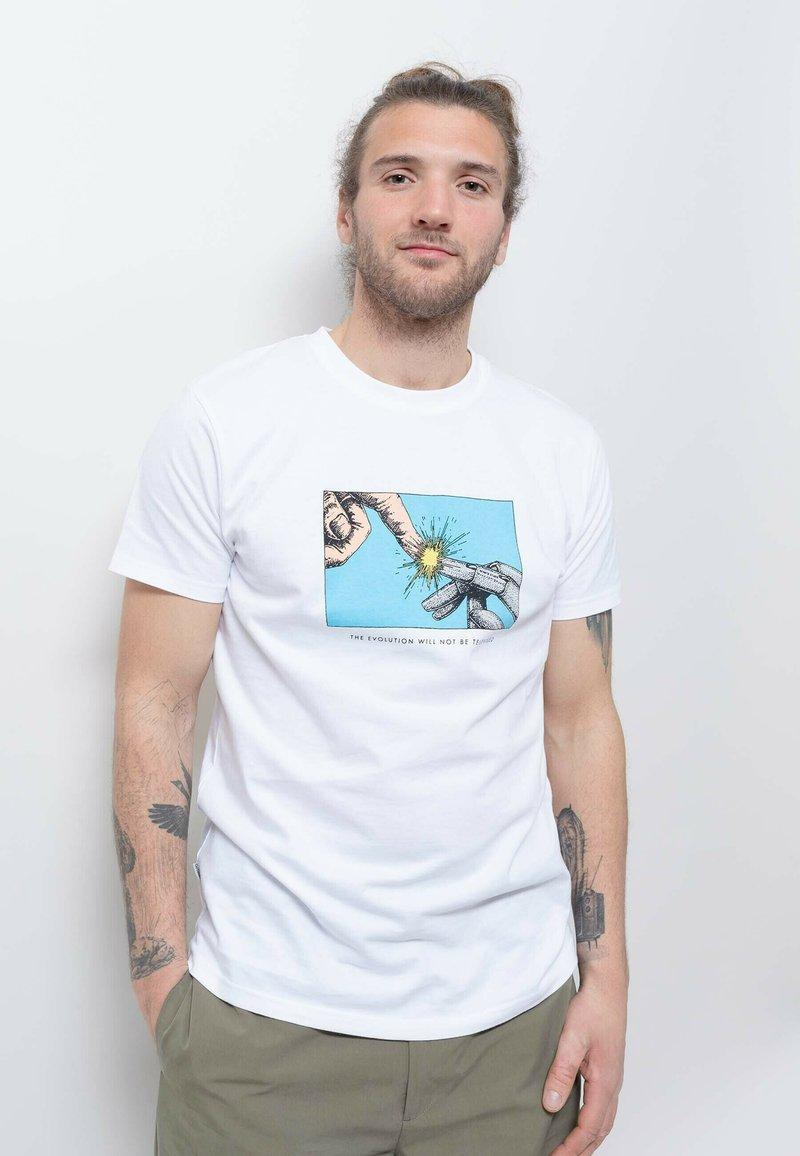 Wemoto - Print T-shirt - white