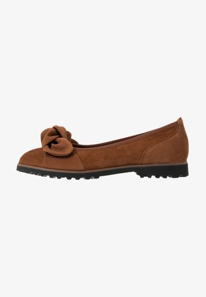 Ballet pumps - new whisky