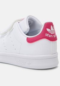 adidas Originals - STAN SMITH UNISEX - Trainers - white/bold pink - 6