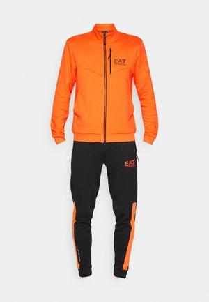 Tepláková souprava - orange/black