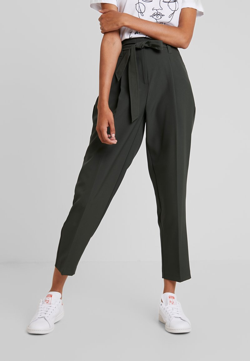 New Look - MILLER TIE WAIST TROUSER - Trousers - green