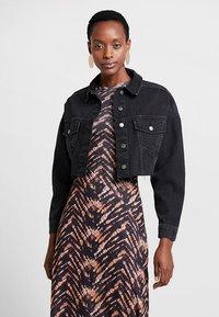 Topshop - HACKED OFF CROP - Denim jacket - black denim - 0