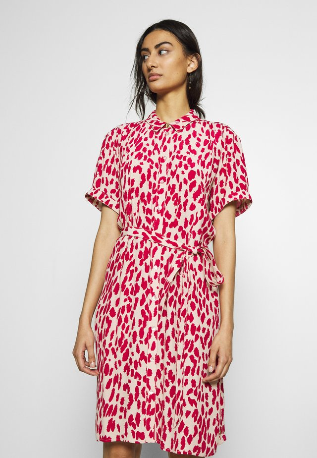 BOYFRIEND ISA DRESS - Day dress - frutti red/cream white
