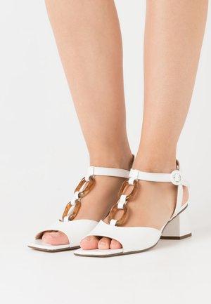 AMALITA - Sandals - milk