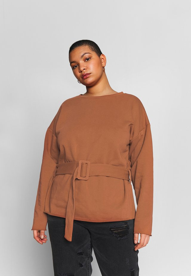 BELTED - Sweater - rust brown