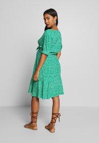 Seraphine - DAFFODIL TIE FRONT DRESS - Sukienka letnia - green - 2