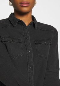 Vero Moda - VMMARIA SLIM  - Button-down blouse - black - 4