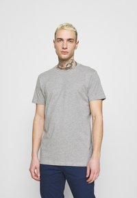 edc by Esprit - Jednoduché triko - light grey - 0